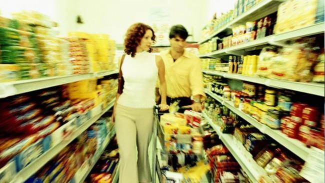 Famílias estão a comprar menos bens de Grande Consumo
