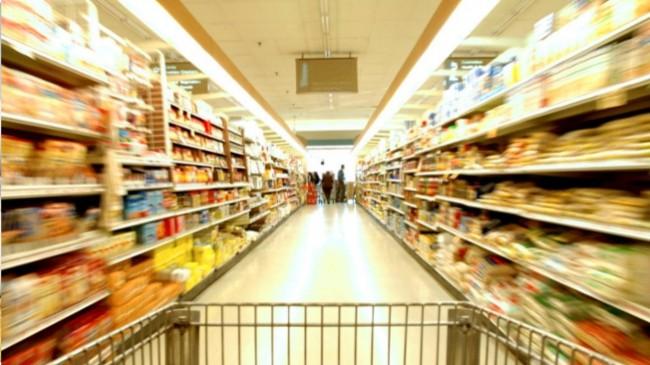 Portugueses foram menos às compras