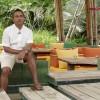 Manjit Ghosh, Diretor de Quartos e Responsável pelo Serviço ao Cliente