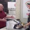 Burger King explica a neutralidade da Internet aos seus clientes
