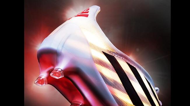 ... Lançada a bota mais leve do futebol ... e49edf7cf5607