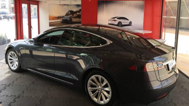 Primeiro espaço da Tesla em Portugal acaba de abrir
